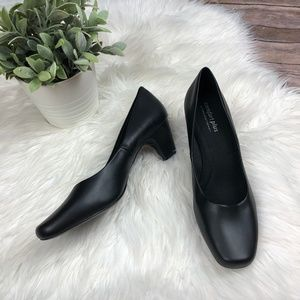 Comfort Plus By Predictions Black Pumps Size 10